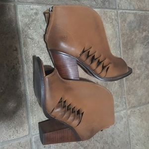 Women's Ariat brown leather peep toe booties Sz 7B